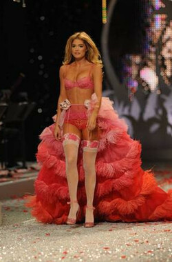 维多利亚的秘密2008时装秀 The Victoria's Secret Fashion Show (2008)